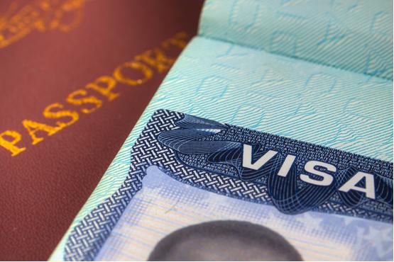 因疫情滞留<font color='red'>美国</font>担心签证过期?别急,<font color='red'><font color='red'>美国</font><font color='red'>移民</font></font>局已为你的签证充值!